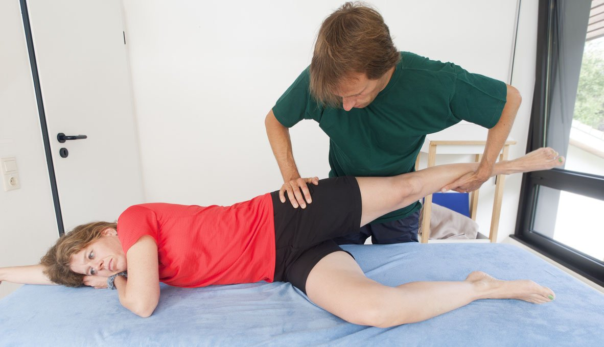 Testing mobility of a hip